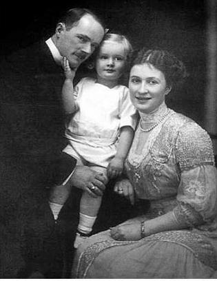 Bertha z mężęm Gustawem i synem Alfriedem